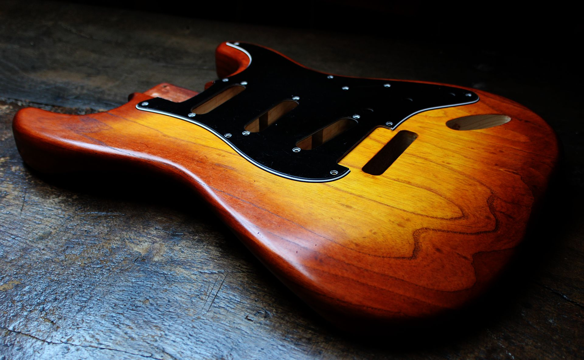 mahogany-used-with-burst